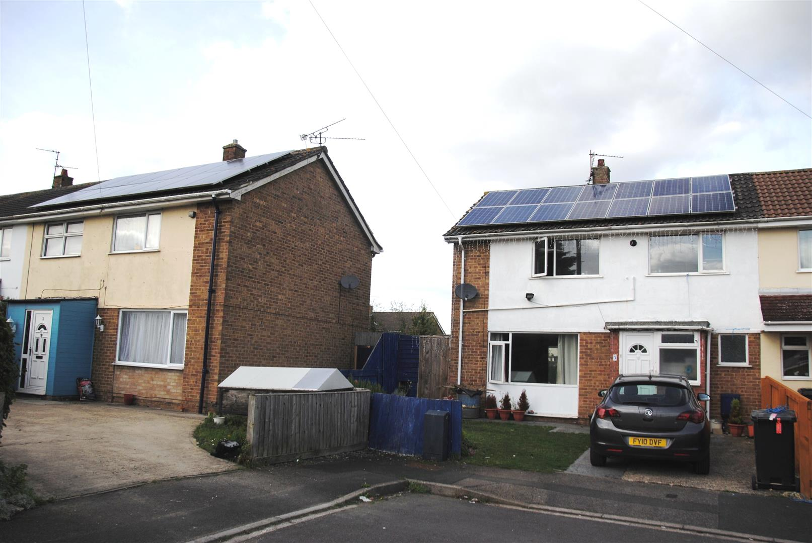 3 Bedrooms End Of Terrace House for sale in Norcliffe Road, Park, Swindon
